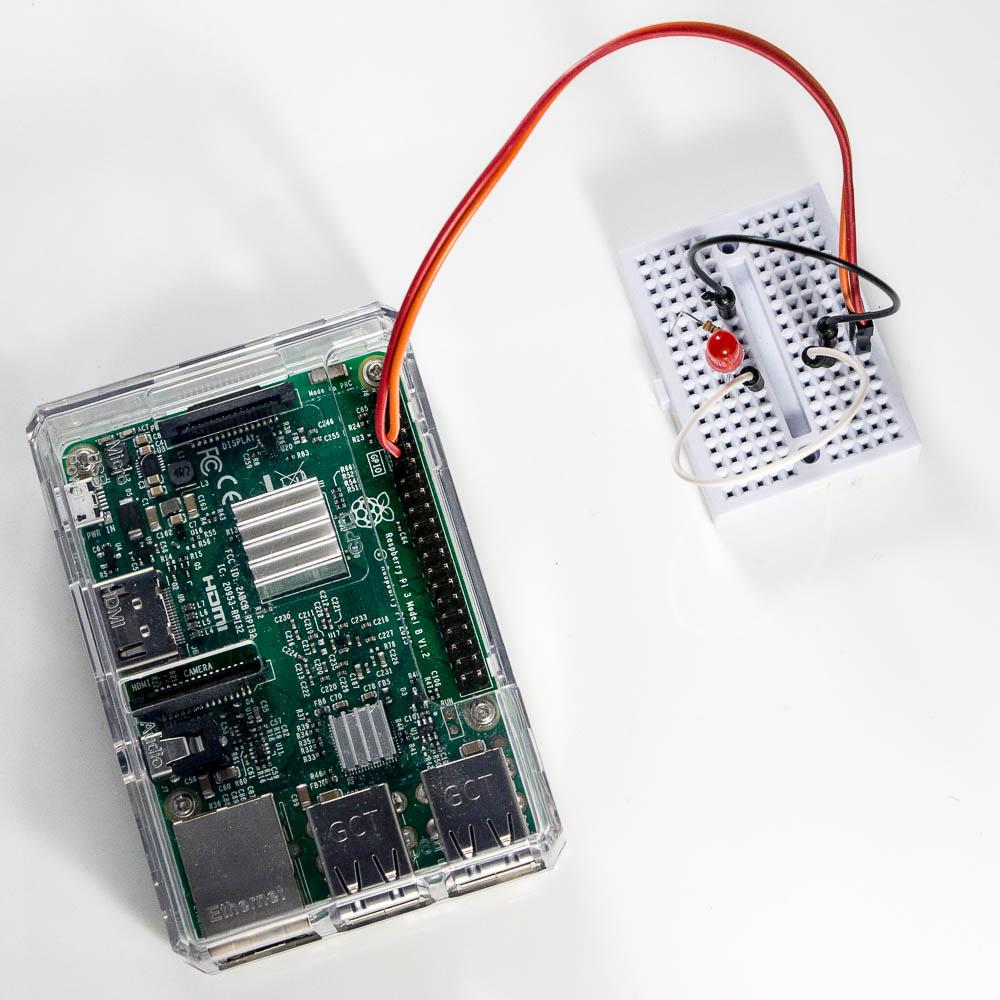 Raspberry PI + Python = Blinking LED – Jump Start into Programming